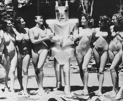 The nudists of Hoover Island.