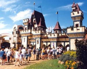 'Sir Frank's Medieval Hot Dog Theme Park'